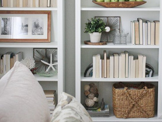 Happy Hour : Styling Bookcases