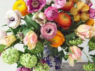 Happy Hour : Loving Flowers