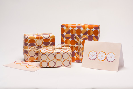 Wrapping Paper & Greeting Card Set