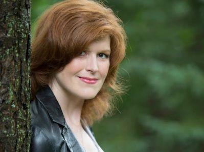 Joelle Charbonneau: V young adult knihách můžu vraždit mládež extrémně krutým způsobem