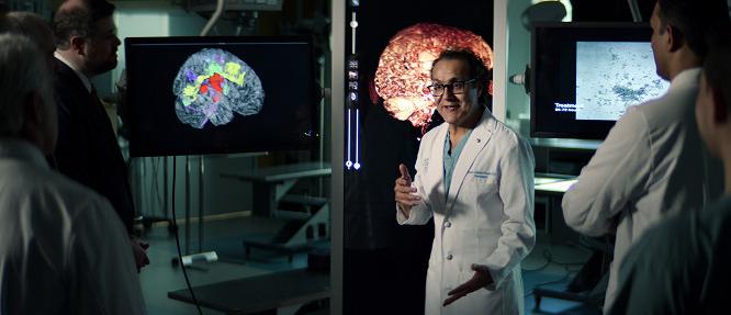 Alfred Quiñones-Hinojosa, Surgeon's Cut. Zdroj: Netflix