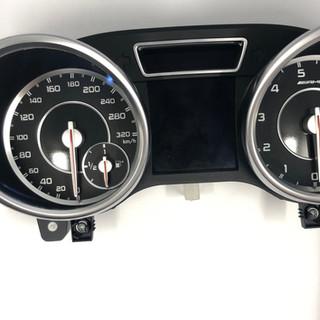 Mercedes-Benz SLK AMG perdarytas iš MPH į km/h