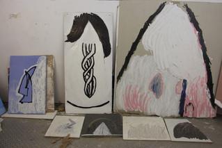 שחר יהלום מבקרת בסטודיו של רוני דורון