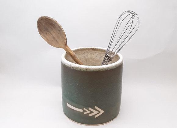 green utensil holder