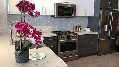 modern-kitchen1_edited.jpg