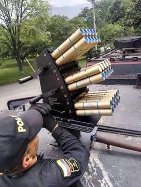 COLOMBIE. Venom, l'arme fatale / COLOMBIA. Venom, el arma letal.