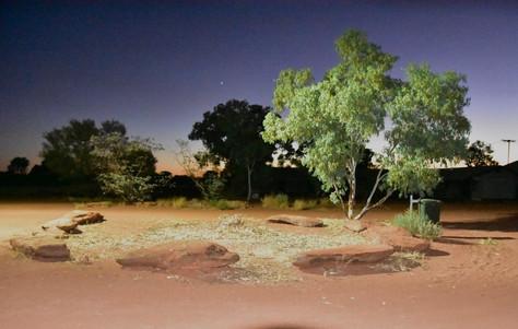 Staubige Fahrt durchs Outback