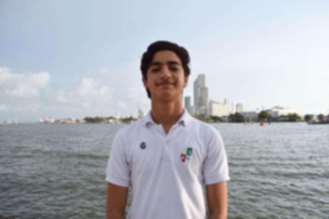 ISAAC EDITADA_edited.jpg