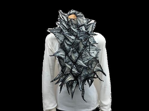 手蜘蛛絞りスカーフ 白黒