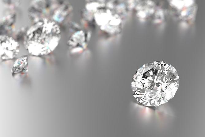 vecteezy_luxury-diamonds-on-white-backgr