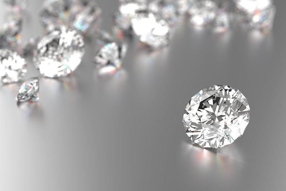 vecteezy_luxury-diamonds-on-white-backgrounds_1091330-small.jpg