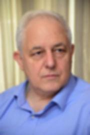 """אודות ד""""ר יגאל ורדי"""