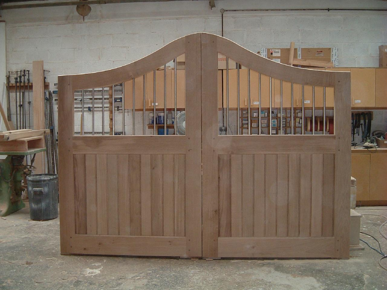 Oak Entrance Gates