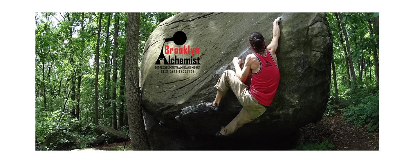 omer-climbing--WEB-SLIDE