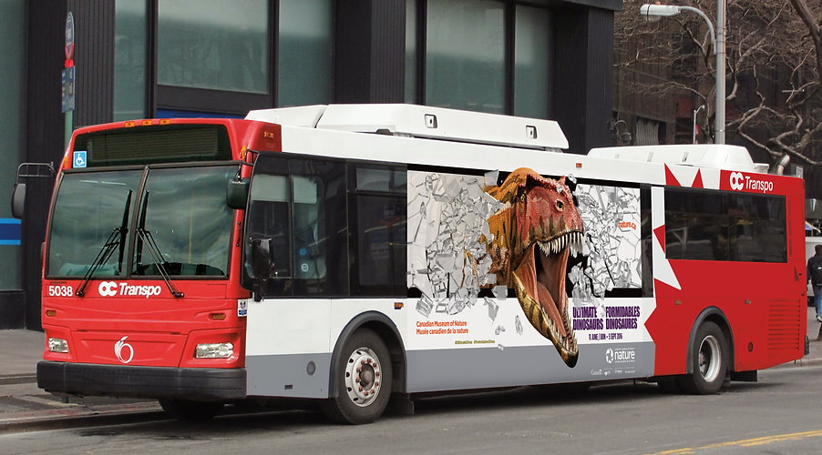 CMN Ultimate Dinos Bus