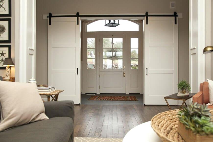 white-barn-door-double-doors-tv-stand