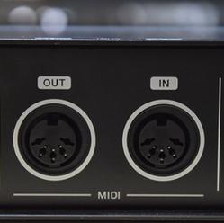 アンプに搭載されているMIDIについて