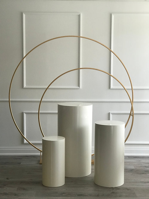 Double Hoop & White Plinth Package