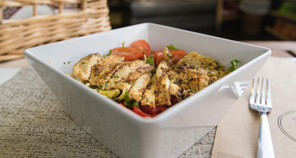 Winfield Street Italian Deli Newport-chicken breast salad-0006.jpg