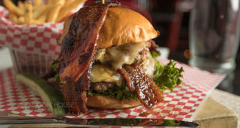Killer B Burger-queen B-0009.jpg
