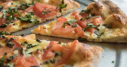 Wolcott Pizza Woodfire Brick Oven-margarita pizza-0039.jpg