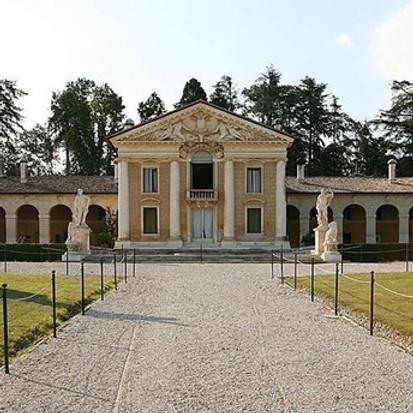 Architettura, paesaggio e arte contemporanea: le Donne della Vite a Villa Barbaro di Maser