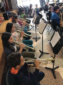 HC-Band-Class-Horns.HEIC