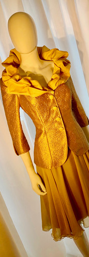 Cruched Collar Jacket With Degas Skirt