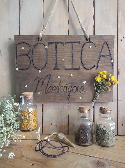 """Cartel grabado """"BOTICA"""""""