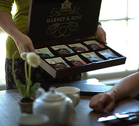 tea-service-tea-chest.jpg
