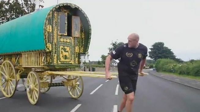 Tyson Fury offers gypsy wagon to NHS for coronavirus treatment