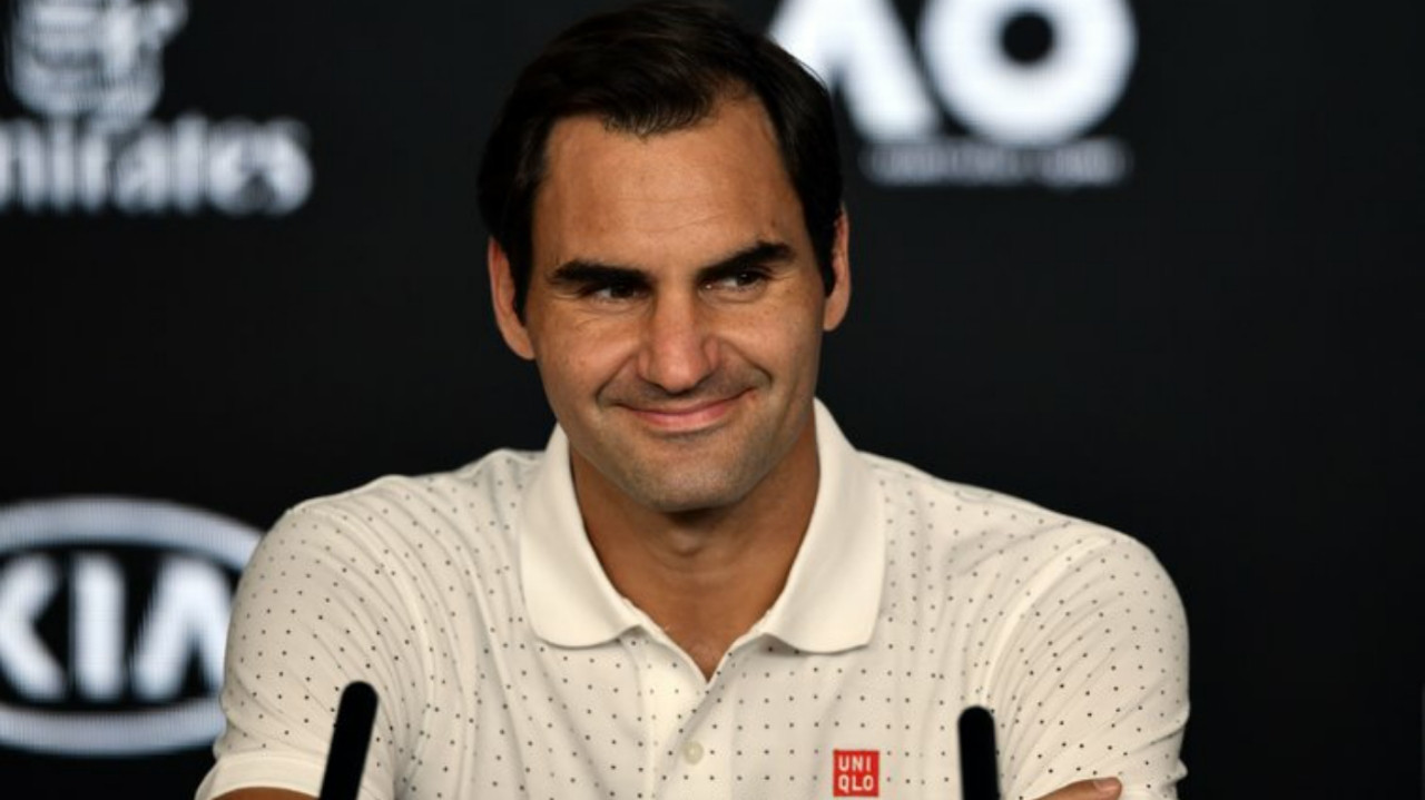 Federer may need third surgery if French Open postponed again