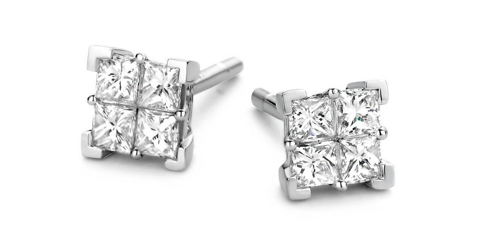 14 krt. Witgouden oorknopjes met 8 princess geslepen diamanten