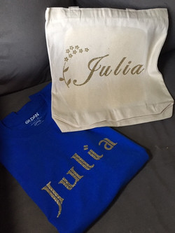 T- Shirt and tote
