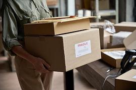 smart-parcel-locker-in-mail-room