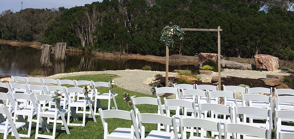 Melbourne Wedding Celebrant Maria Padbury Outdoor Wedding Ceremony