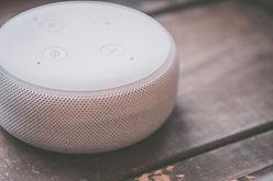 white-speaker-1666313.jpg