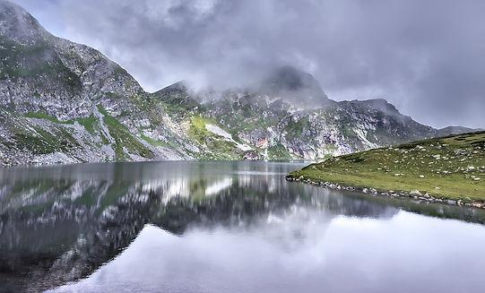 7-rila-lakes-bulgaria-lake-landscape-163