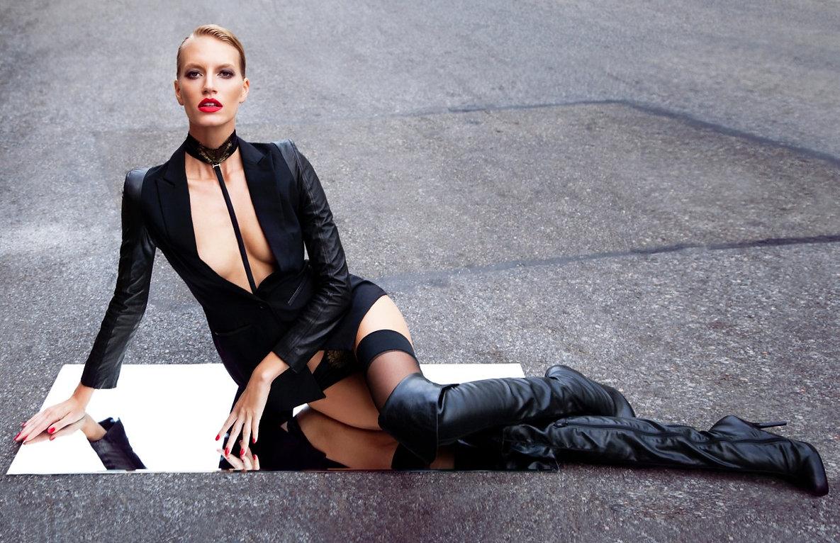 Amy+Hixson+by+Enrique+Vega+for+Elle+Bulg