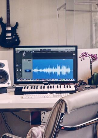 top-vocal-coach-music-producer-artist-de