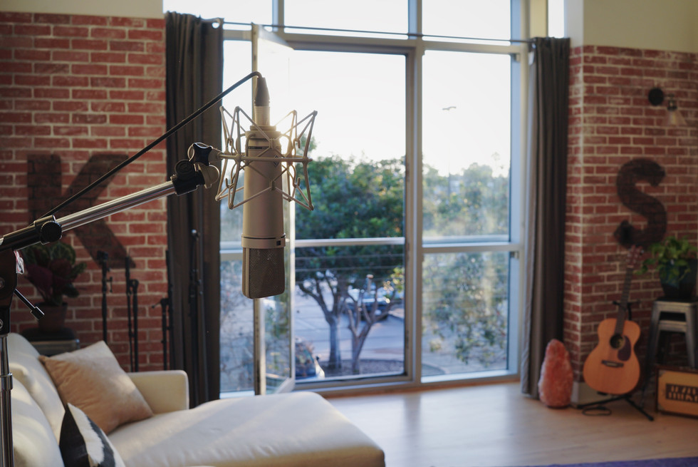 Top LA Vocal Coach Kira Songwriting Bootcamp