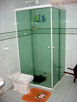 box-de-canto-de-correr-vidro-banheiro.jp