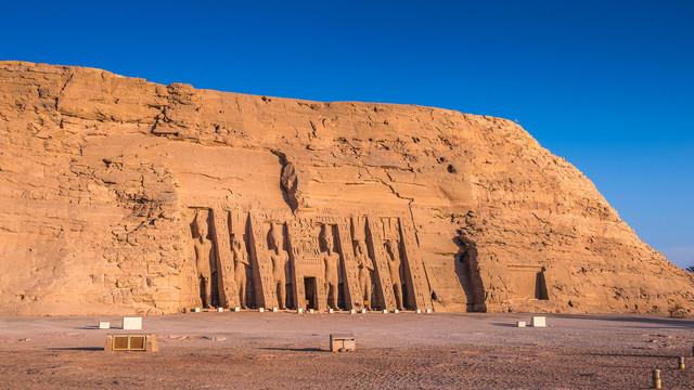Egypt-Abu-Simbel-2.jpg