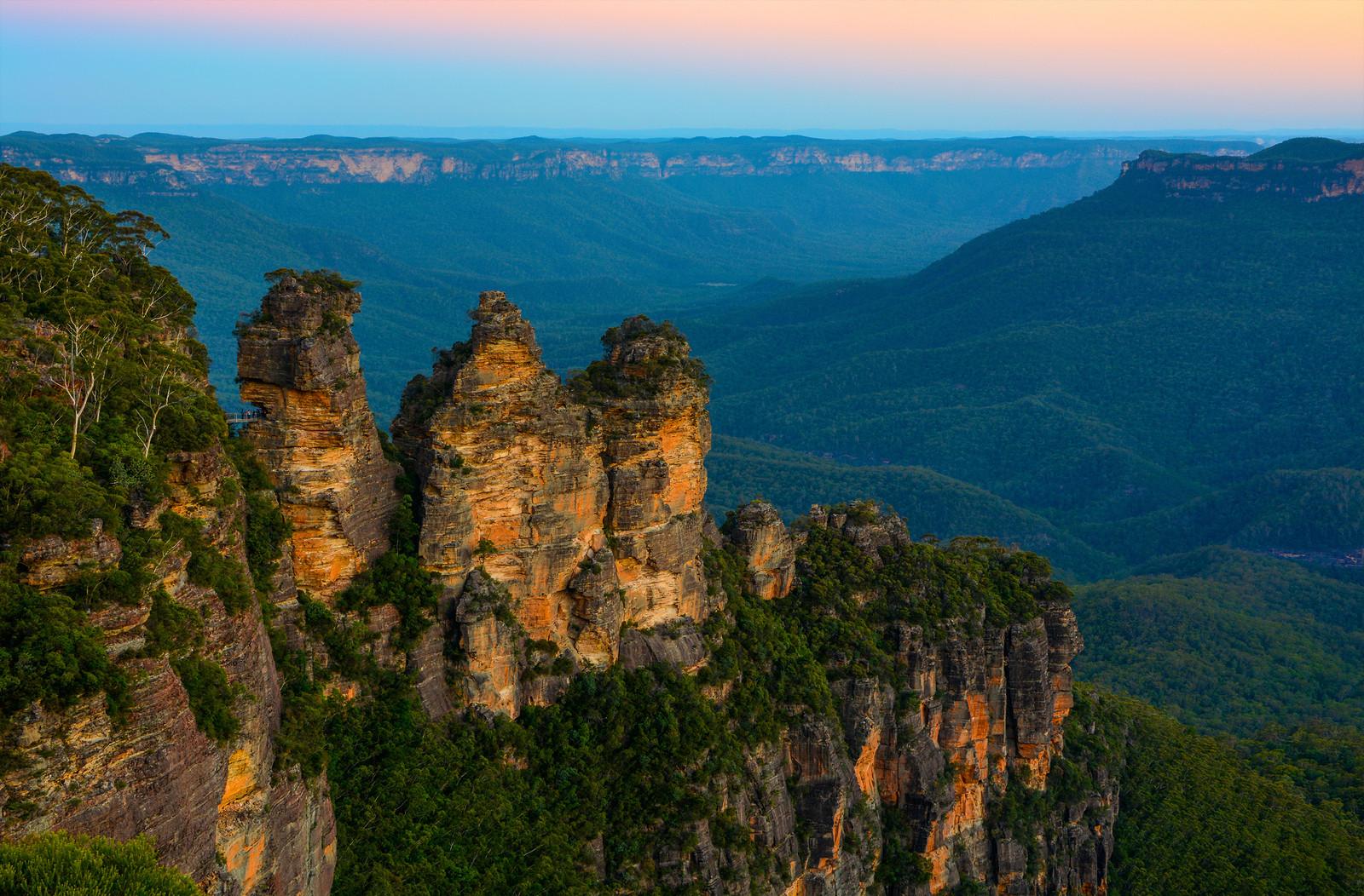 Australia-Three-Sisters.jpg