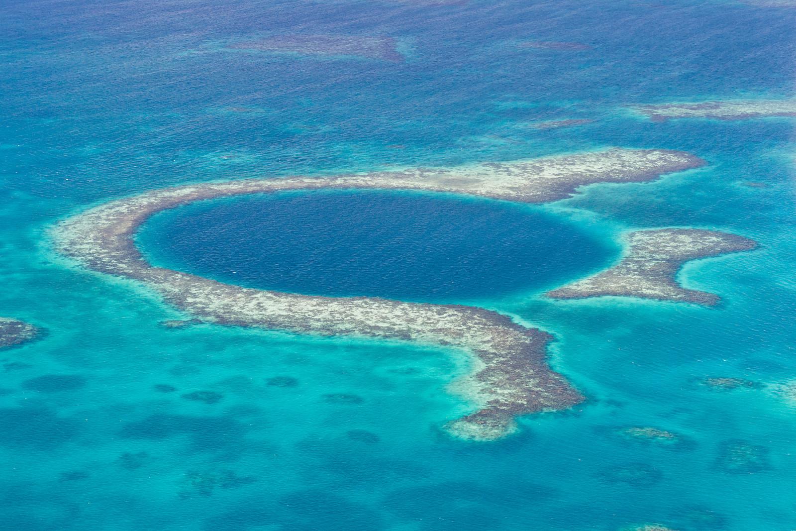 Belize-The-Great-Blue-Hole.jpg