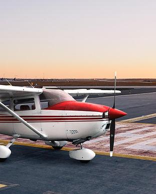 Cessna182_edit_square.jpg