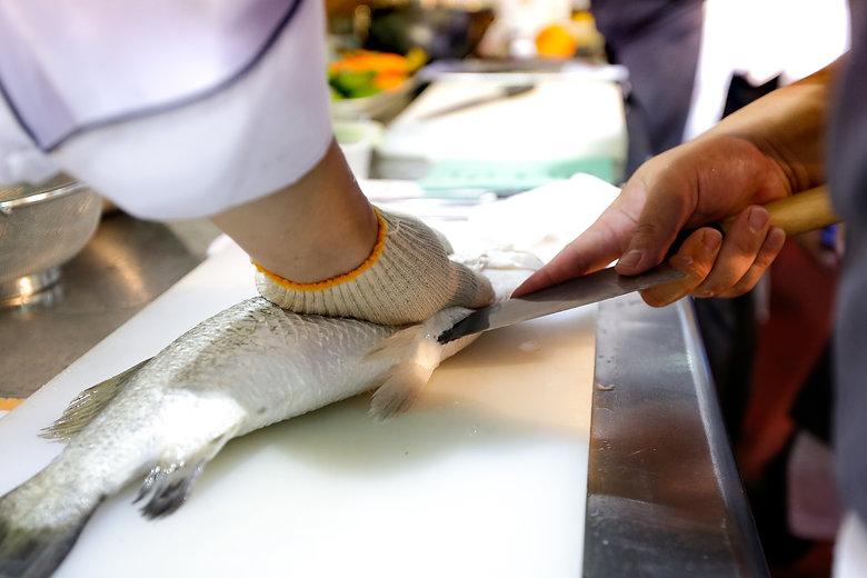 fish filleting in Scheveningen