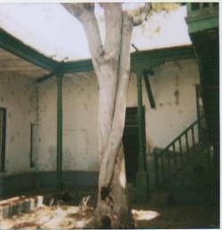Patio antes de la restauración