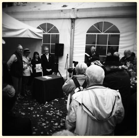 Remise de Prix pour mon stand par l'Ambassadeur du Japon