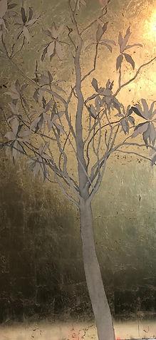 Magnolio. Lápiz y pan de oro sobre tabla (190x90 cm.)